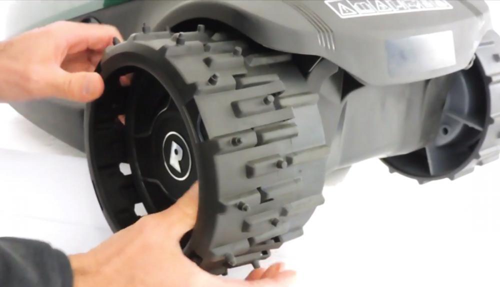 RoboGrip Robomow RC