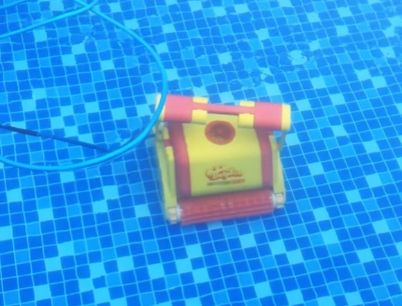 Caracteristicile aspiratorului pentru piscină Dolphin 3001