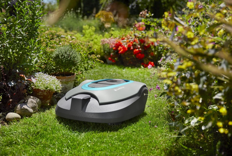 Prezentarea mașinii de tuns iarba robot Gardena R130Li Sileno+