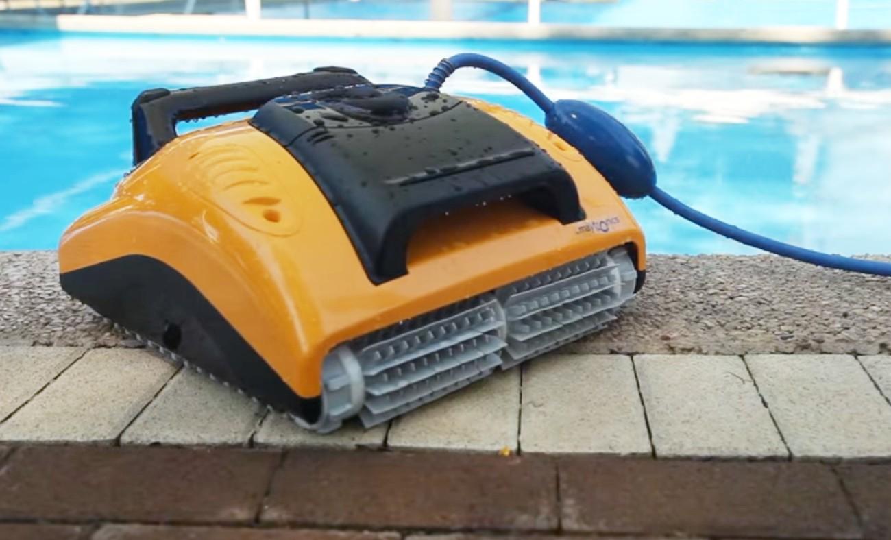 Prezentarea robotului de curățare a piscinei pentru copii Dolphin W20