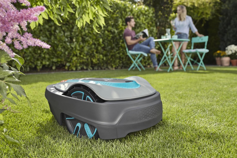 Prezentarea mașinii de tuns iarba robot Gardena Sileno city 250