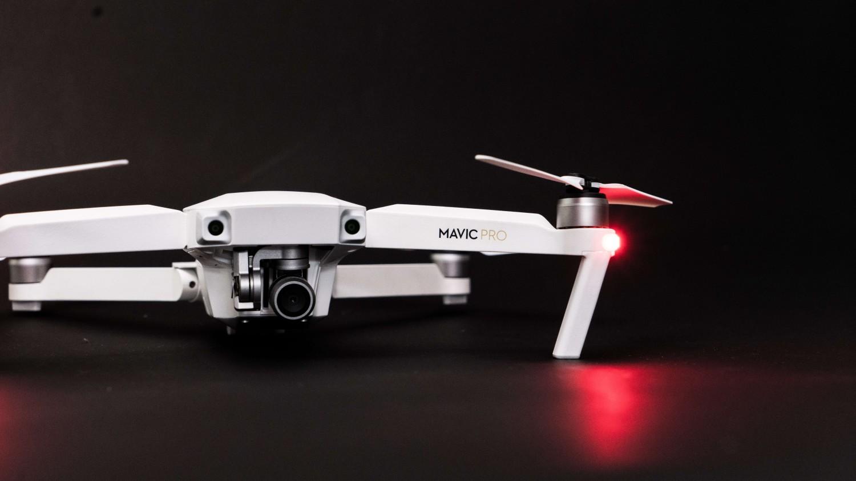 Prezentarea dronei DJI Mavic PRO Alpine White Combo - Limited edition
