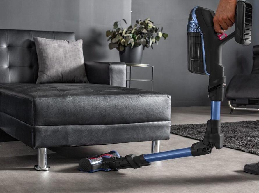 Rowenta Flex: Curățare de până la 4x adâncime sub mobilier redus