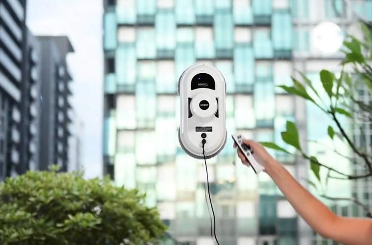 Robot de curățare pentru geamuri și sticlă elegant și simplu